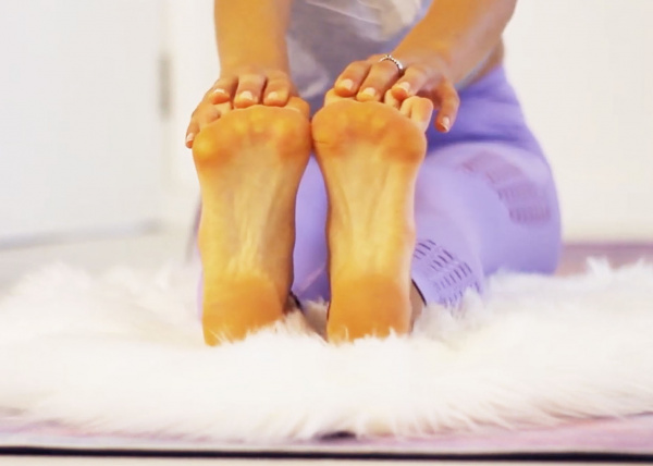 my morning routine stretch your feet