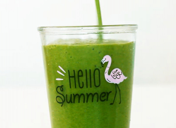 healthy morning routine green smoothie