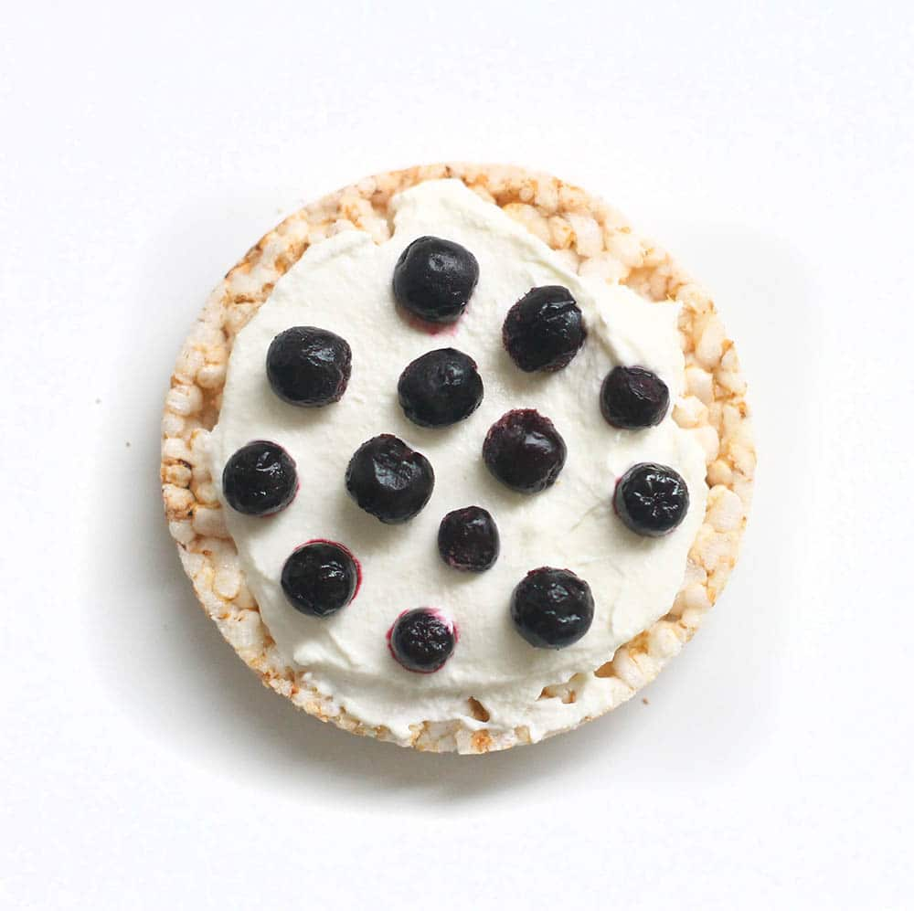 Blueberry greek yogurt rice cake recipe