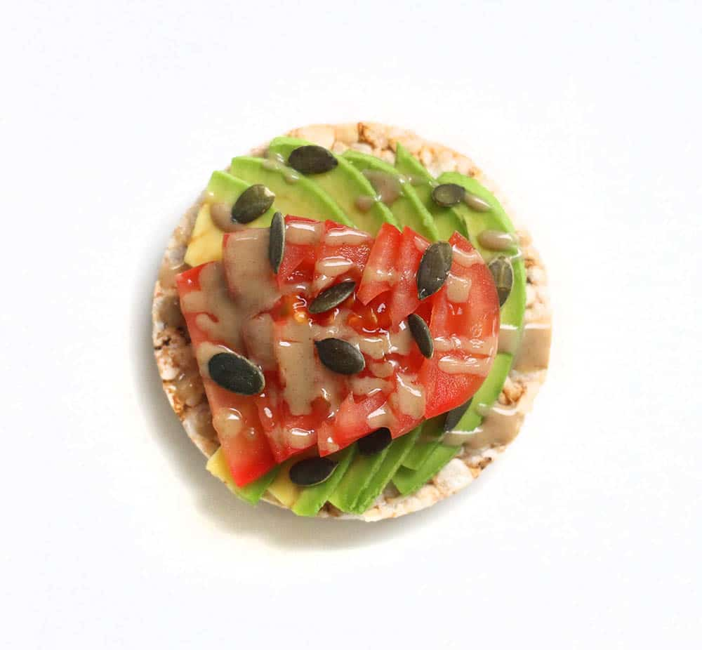 avocado tomato healthy rice cake
